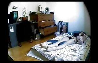 Freche Krankenschwester wird böse reife frauen pirno mit Ihrem dildo
